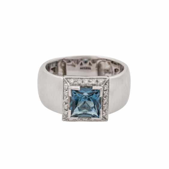 Ring with blue topaz in a square star cut approx. 3.5 ct - photo 2
