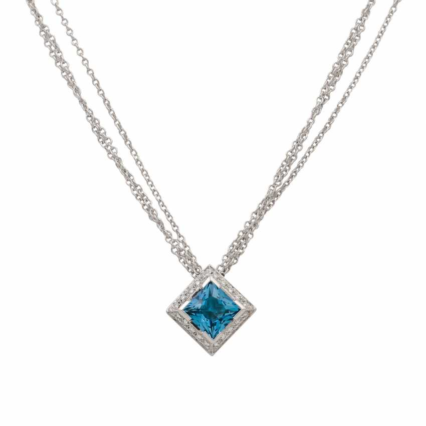 Necklace with blue topaz in a square star cut approx. 3.5 ct, - photo 2