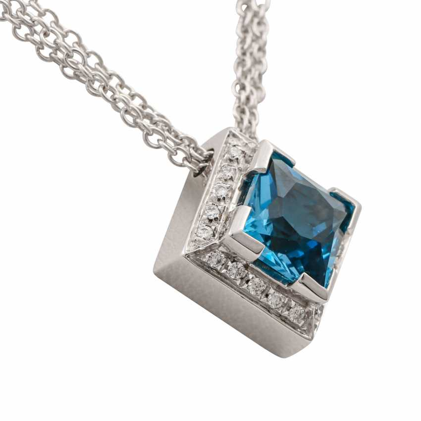 Necklace with blue topaz in a square star cut approx. 3.5 ct, - photo 3
