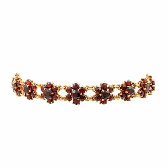 Bracelet with garnet in flower shape, - photo 1