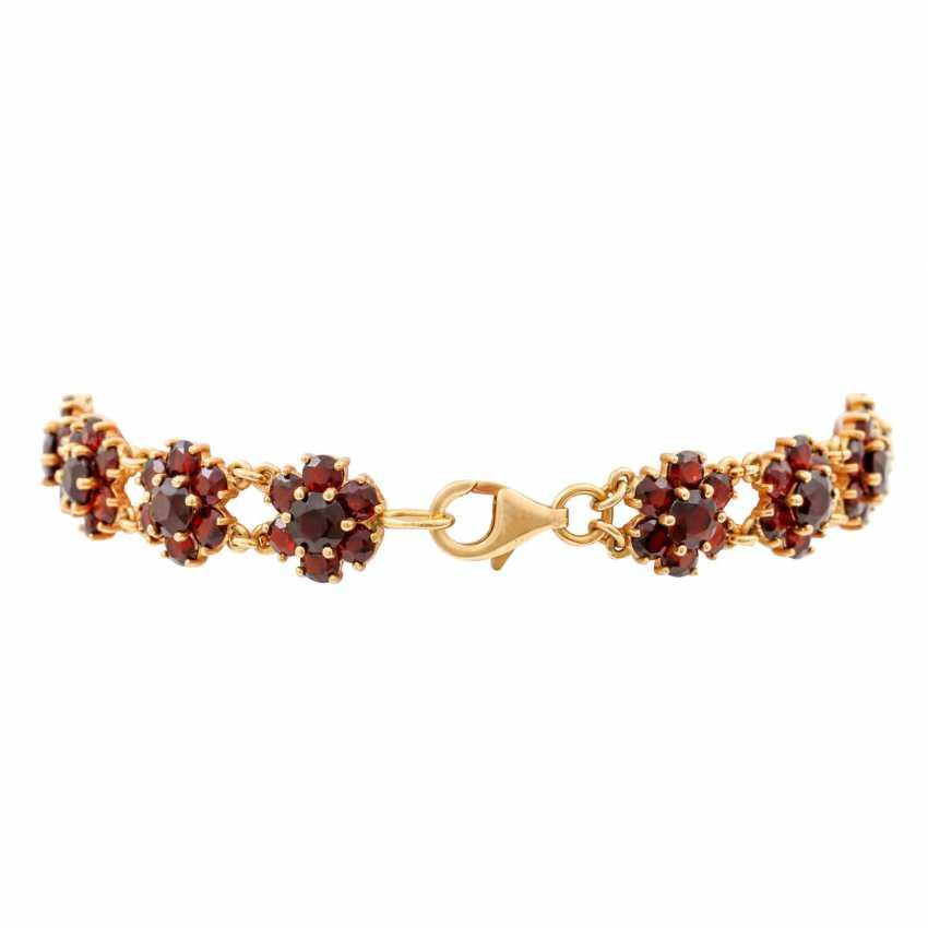 Bracelet with garnet in flower shape, - photo 2