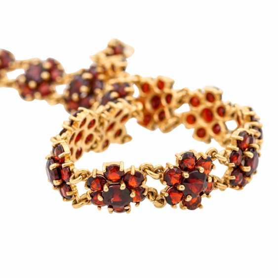 Bracelet with garnet in flower shape, - photo 5