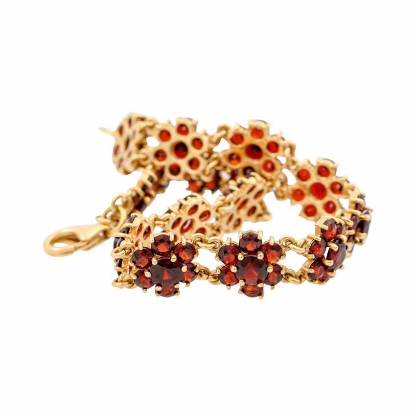 Bracelet with garnet in flower shape, - photo 6
