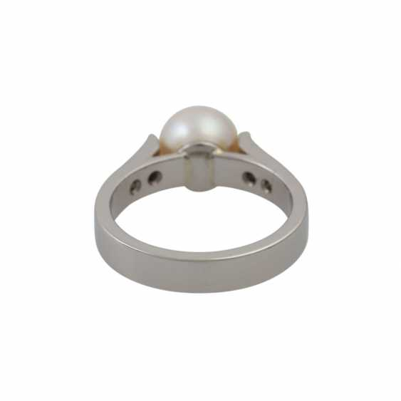 Ring with Akoya pearl and diamonds - photo 4