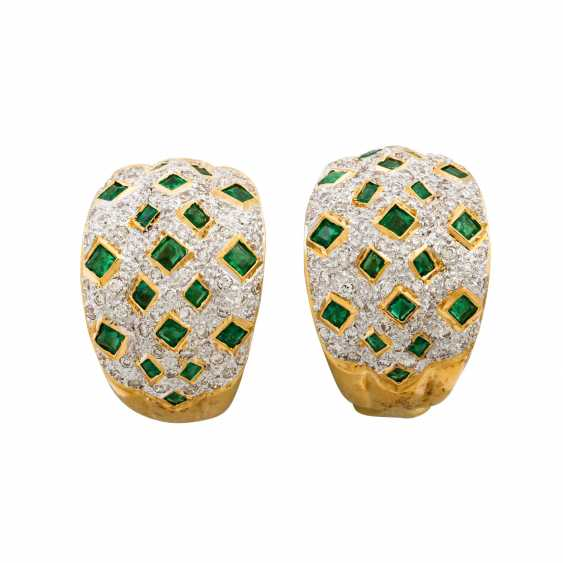 Pair of clip-on earrings with emeralds and diamonds - photo 1