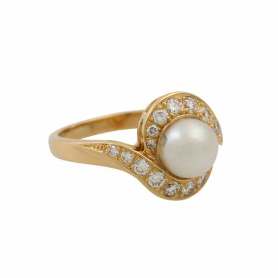 Ring with Akoya pearl and diamonds - photo 1