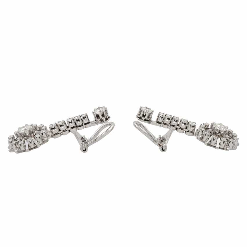 Pair of diamond earrings - photo 2