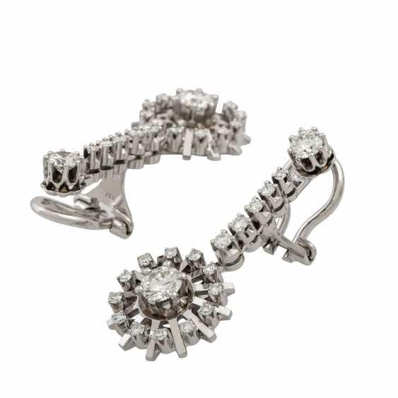 Pair of diamond earrings - photo 3