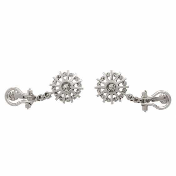 Pair of diamond earrings - photo 4