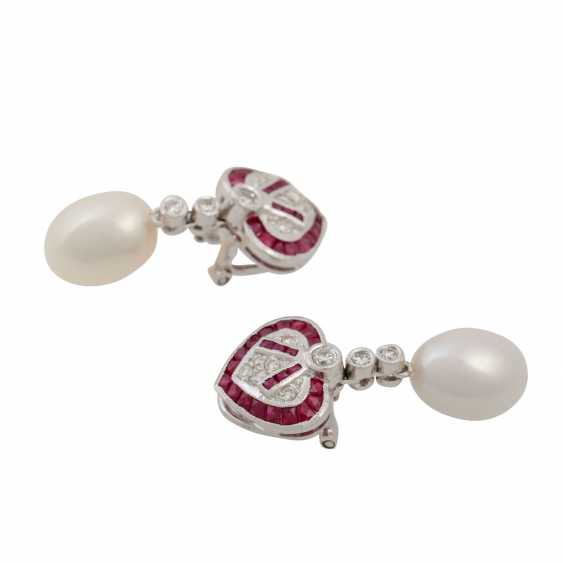 Pair of ear clips with faceted rubies and diamonds - photo 2