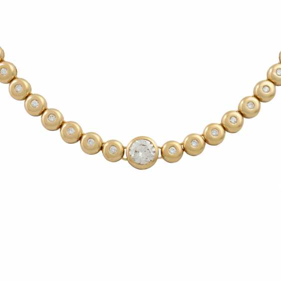 Rivière necklace with diamonds totaling approx. 2.2 ct, - photo 2
