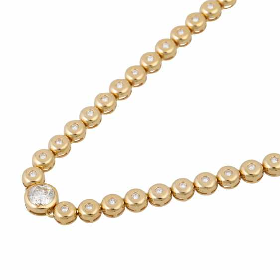Rivière necklace with diamonds totaling approx. 2.2 ct, - photo 4