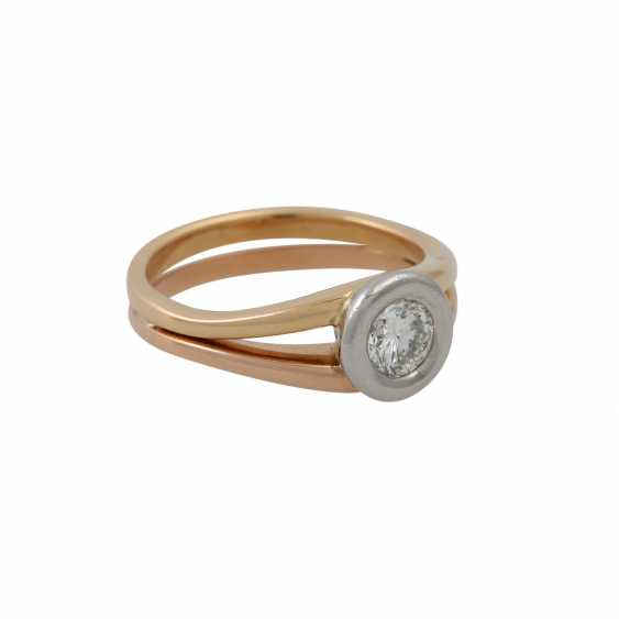 Solitaire ring with a diamond of approx. 0.5 ct (stamped), - photo 1