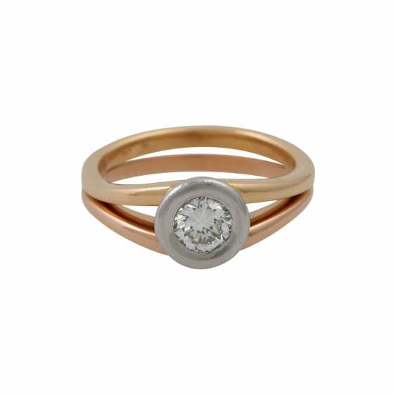 Solitaire ring with a diamond of approx. 0.5 ct (stamped), - photo 2