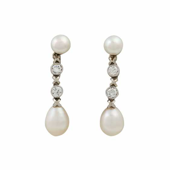Earrings with pearls and diamonds totaling 0.4 ct - photo 1