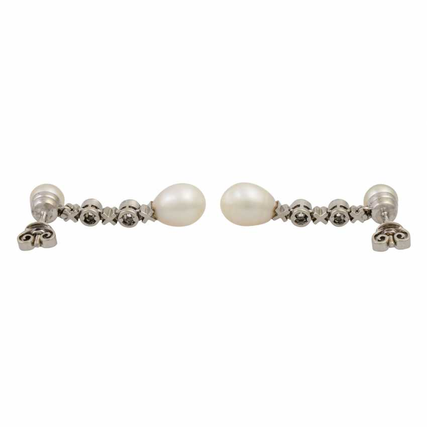 Earrings with pearls and diamonds totaling 0.4 ct - photo 4