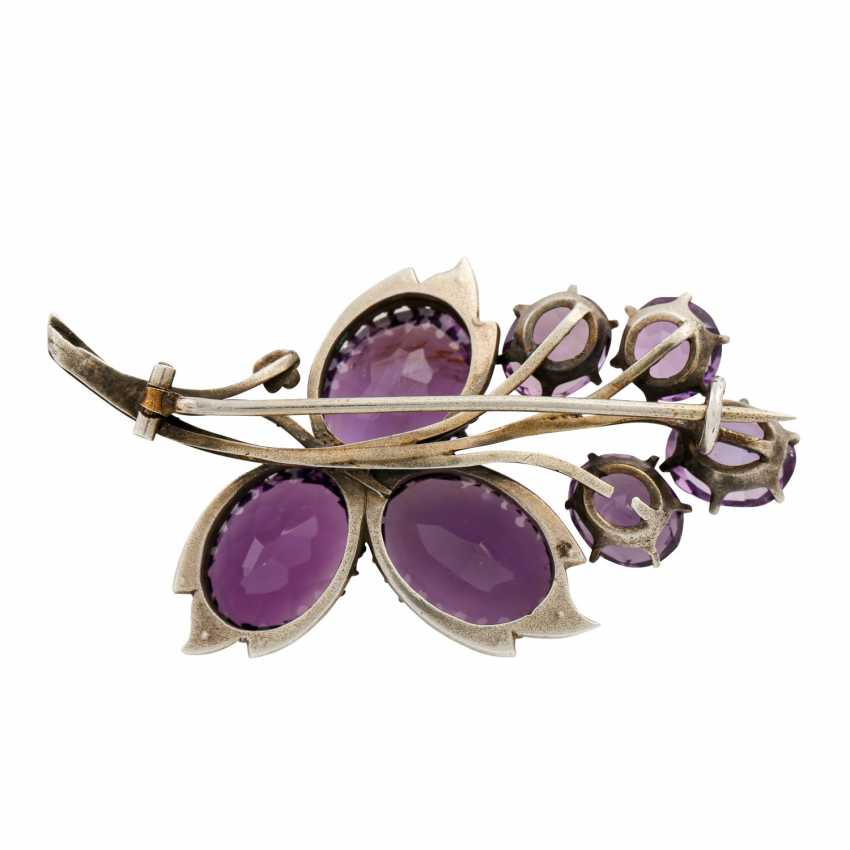 Brooch with 7 faceted amethysts and seed pearls, - photo 3