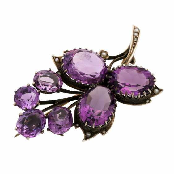 Brooch with 7 faceted amethysts and seed pearls, - photo 4