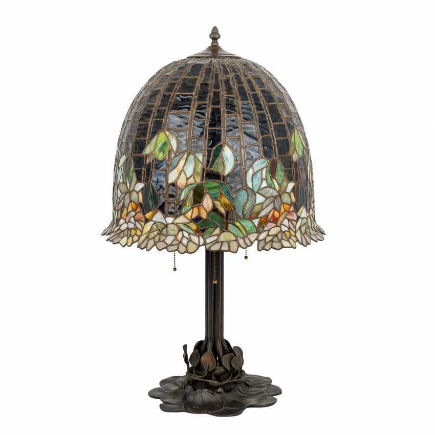 TIFFANY'S style table lamp, 20th century - photo 1