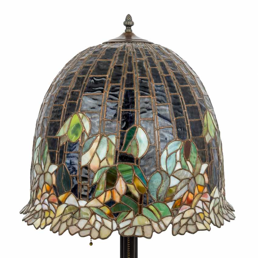 TIFFANY'S style table lamp, 20th century - photo 3