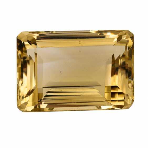 Loose emerald cut citrine of 90.6 ct, - photo 2