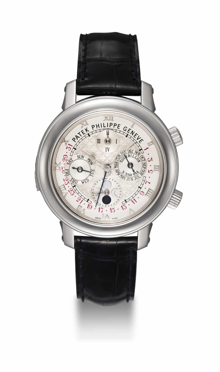 PATEK PHILIPPE, REF. 5002P-001 SKY MOON TOURBILLON, AN EXTREMELY RARE PLATINUM DOUBLE DIALED WRISTWATCH WITH 12 COMPLICATIONS - photo 3