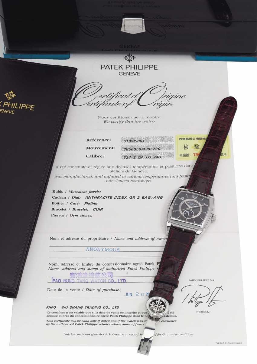 PATEK PHILIPPE, REF. 5135P GONDOLO, A PLATINUM ANNUAL CALENDAR WITH MOON-PHASE - photo 5