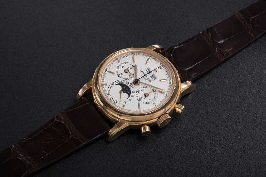 PATEK PHILIPPE, REF. 3970ER-12, A GOLD PERPETUAL CALENDAR CHRONOGRAPH WRISTWATCH - photo 1