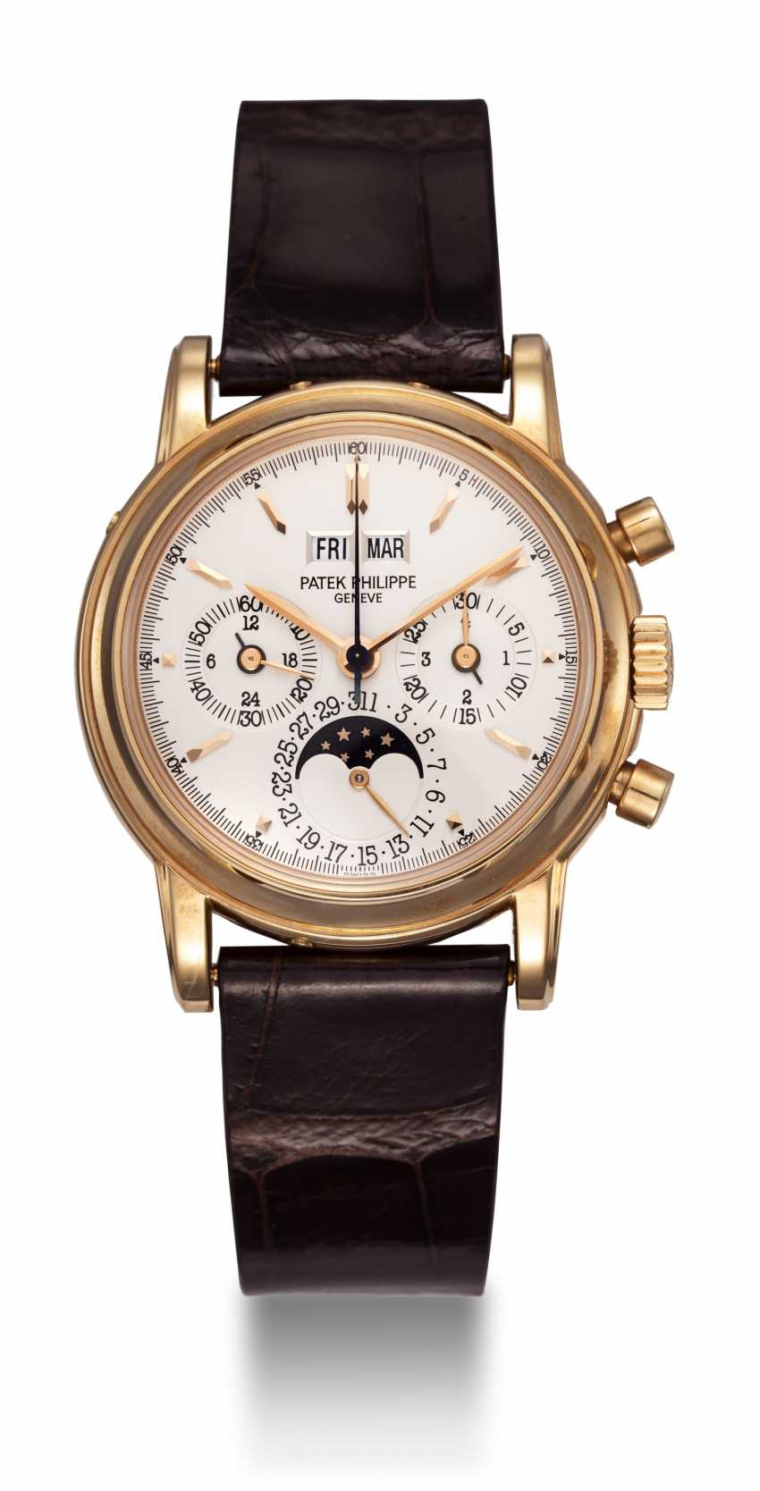 PATEK PHILIPPE, REF. 3970ER-12, A GOLD PERPETUAL CALENDAR CHRONOGRAPH WRISTWATCH - photo 3