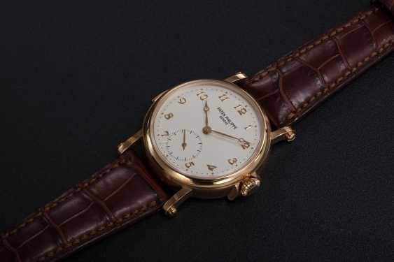 PATEK PHILIPPE, REF. 5029, A RARE GOLD MINUTE REPEATING CHRONOMETER WRISTWATCH - photo 1