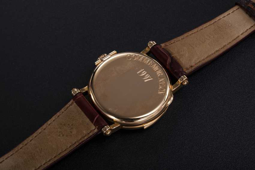 PATEK PHILIPPE, REF. 5029, A RARE GOLD MINUTE REPEATING CHRONOMETER WRISTWATCH - photo 4