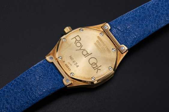 AUDEMARS PIGUET, A SET OF SIX GOLD BEJEWELLED ROYAL OAK WRISTWATCHES WITH ITS ORIGINAL PRESENTATON BOX - photo 5