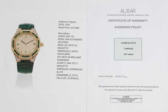 AUDEMARS PIGUET, A SET OF SIX GOLD BEJEWELLED ROYAL OAK WRISTWATCHES WITH ITS ORIGINAL PRESENTATON BOX - photo 15