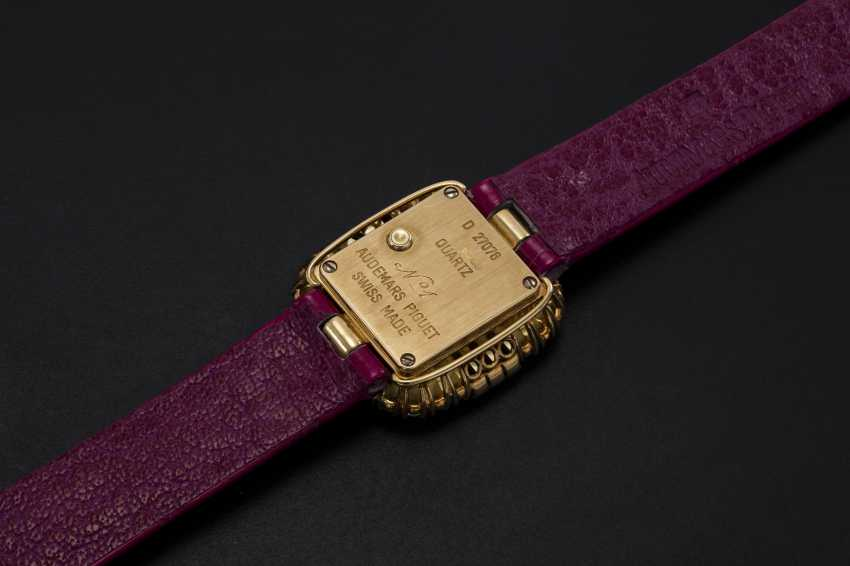 AUDEMARS PIGUET, A LADIES YELLOW GOLD WRISTWATCH SET WITH DIAMONDS AND RUBIES AND A PAVED DIAL - photo 2