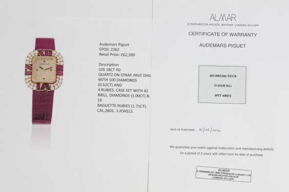 AUDEMARS PIGUET, A LADIES YELLOW GOLD WRISTWATCH SET WITH DIAMONDS AND RUBIES AND A PAVED DIAL - photo 4