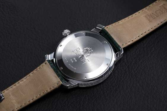 PIAGET, A WHITE GOLD DIAMOND-SET SHEIKA AUTOMATIC WRISTWATCH - photo 2