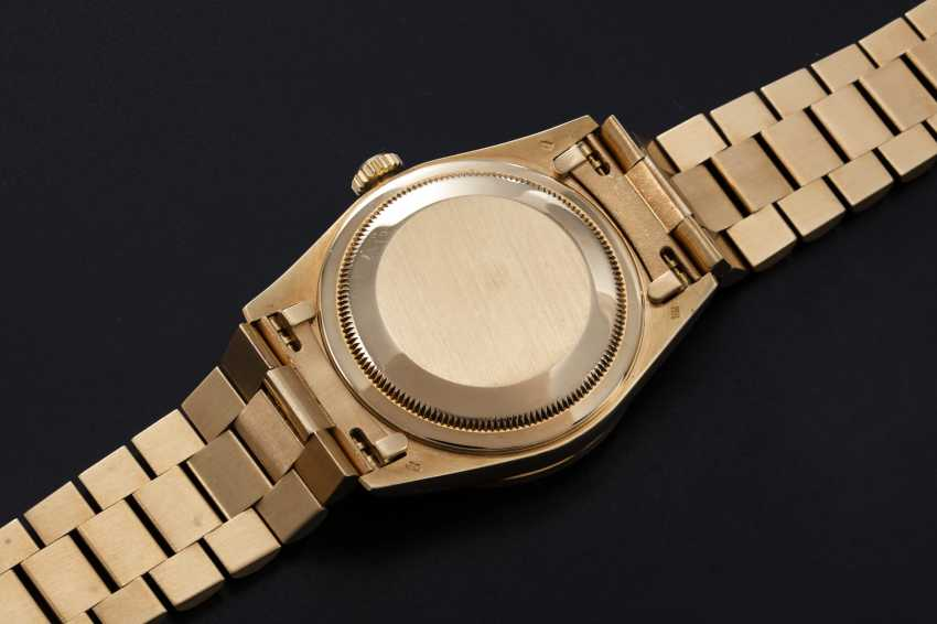 ROLEX, A GOLD OYSTER PERPETUAL DAY-DATE WITH DIAMONDS AND RUBIES, REF. 18388 - photo 2