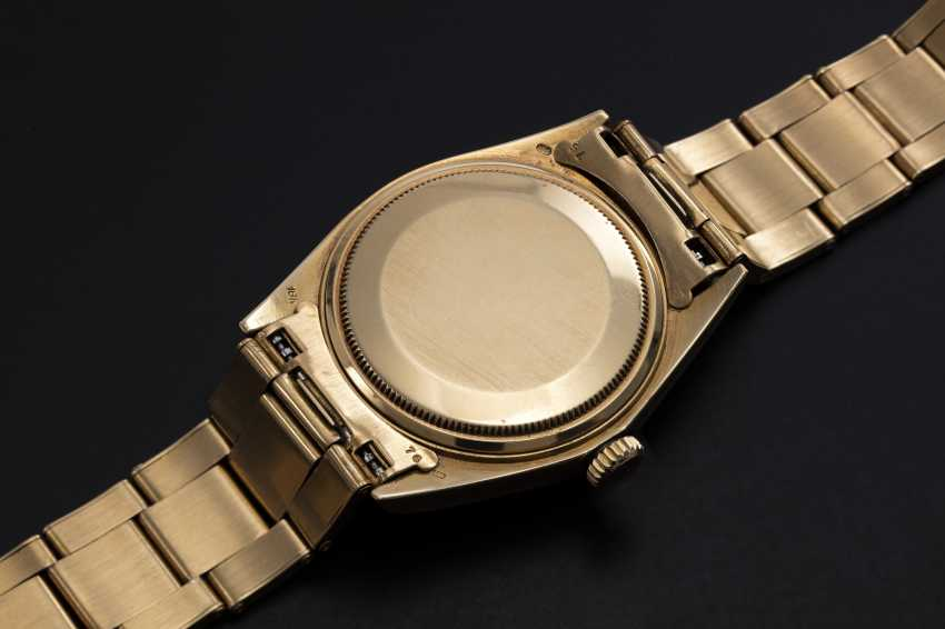 """ROLEX, A YELLOW GOLD OYSTER PERPETUAL DAY-DATE WITH """"KHANJAR"""" INSIGNIA, REF. 1803 - photo 2"""