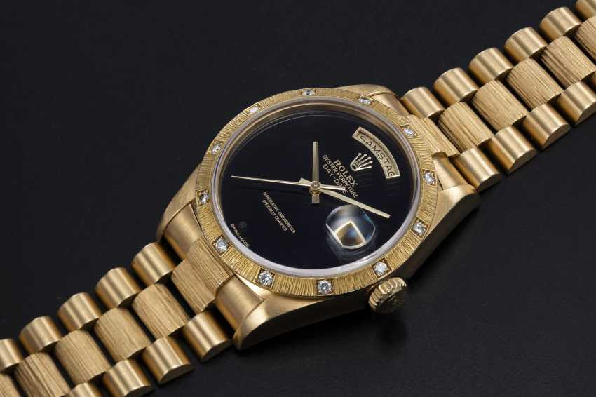 ROLEX, A GOLD OYSTER PERPETUAL DAY-DATE WITH DIAMOND BEZEL AND ONYX DIAL, REF. 18108 - photo 1