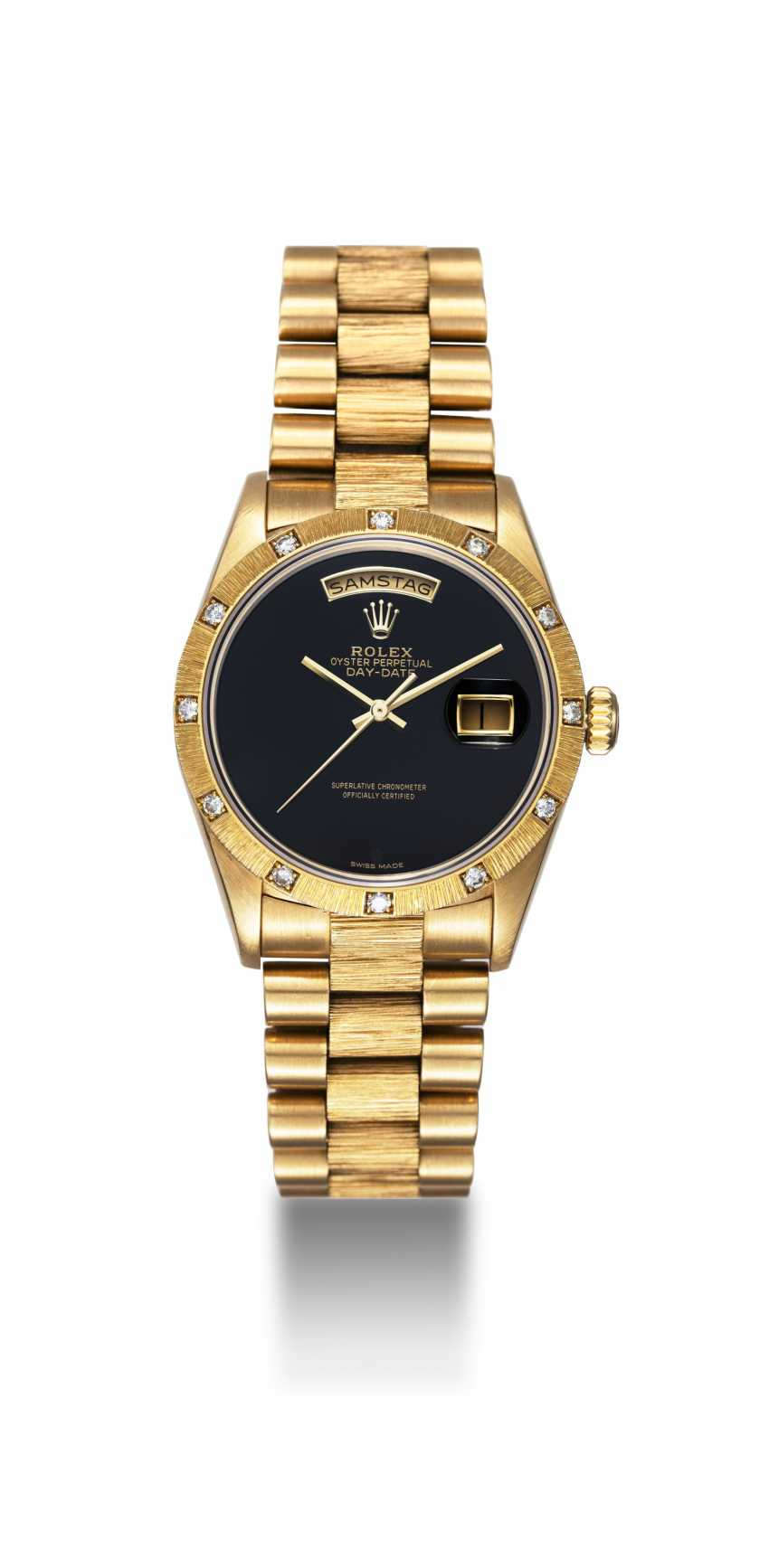 ROLEX, A GOLD OYSTER PERPETUAL DAY-DATE WITH DIAMOND BEZEL AND ONYX DIAL, REF. 18108 - photo 3