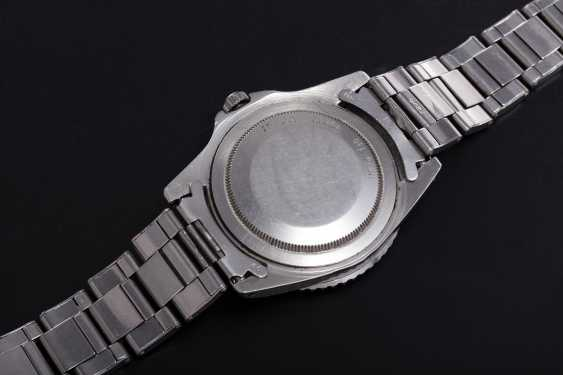 ROLEX, A RARE STEEL OYSTER PERPETUAL GMT-MASTER MADE FOR THE PERUVIAN AIR FORCE, REF. 1675 - photo 2