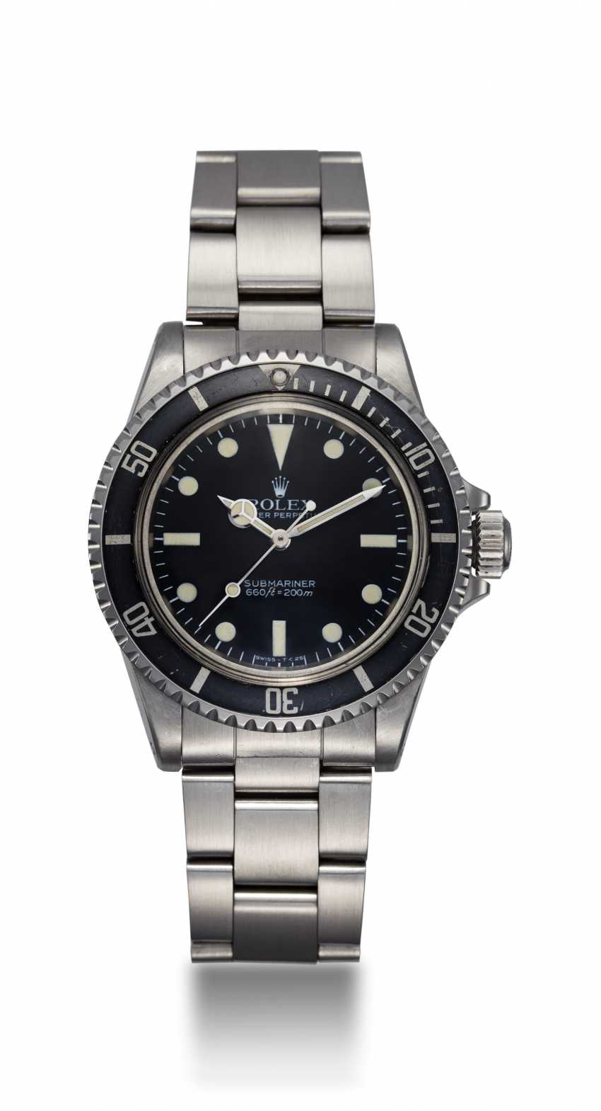 ROLEX. A STEEL SUBMARINER WITH MAXI DIAL, REF. 5513 - photo 3