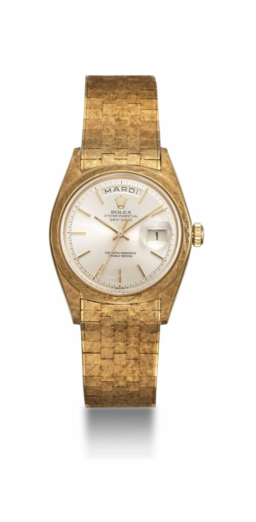 """ROLEX, A RARE GOLD OYSTER PERPETUAL DAY-DATE WITH """"FLORENTINE-FINISH"""" CASE AND BRACELET, REF. 1806 - photo 3"""