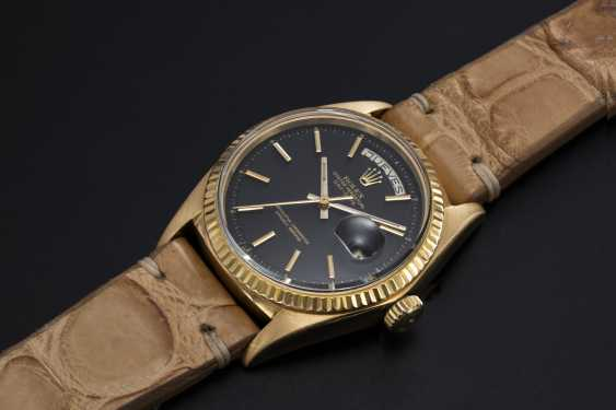 ROLEX. A GOLD OYSTER PERPETUAL DAY-DATE WRISTWATCH, REF. 1803 - photo 1