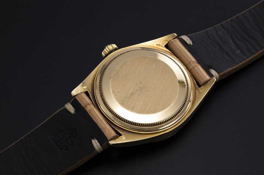 ROLEX. A GOLD OYSTER PERPETUAL DAY-DATE WRISTWATCH, REF. 1803 - photo 2