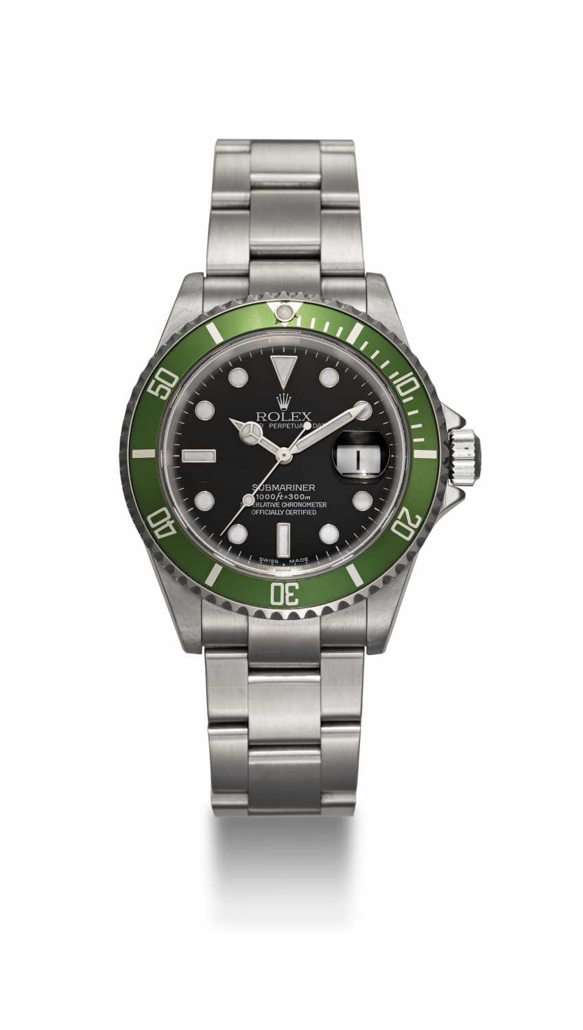 """ROLEX, A STAINLESS STEEL OYSTER PERPETUAL SUBMARINER """"FLAT FOUR"""", REF. 16610LV - photo 3"""