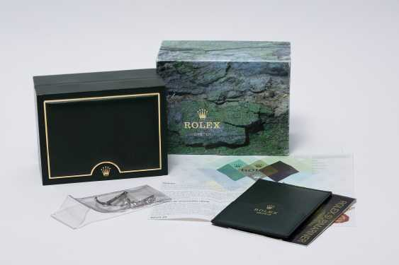 """ROLEX, A STAINLESS STEEL OYSTER PERPETUAL SUBMARINER """"FLAT FOUR"""", REF. 16610LV - photo 4"""