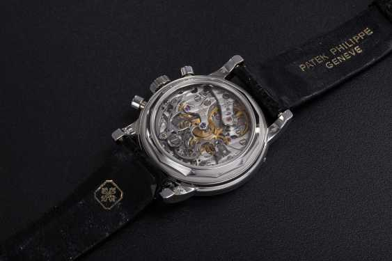 PATEK PHILIPPE, REF. 3970EP, A PLATINUM PERPETUAL CALENDAR CHRONOGRAPH WRISTWATCH - photo 2