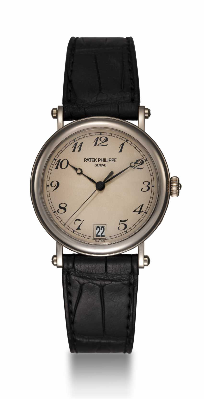 "PATEK PHILIPPE, A GOLD CALATRAVA WRISTWATCH WITH ""OFFICER'S CASEBACK"", REF. 5053G-001 - photo 4"
