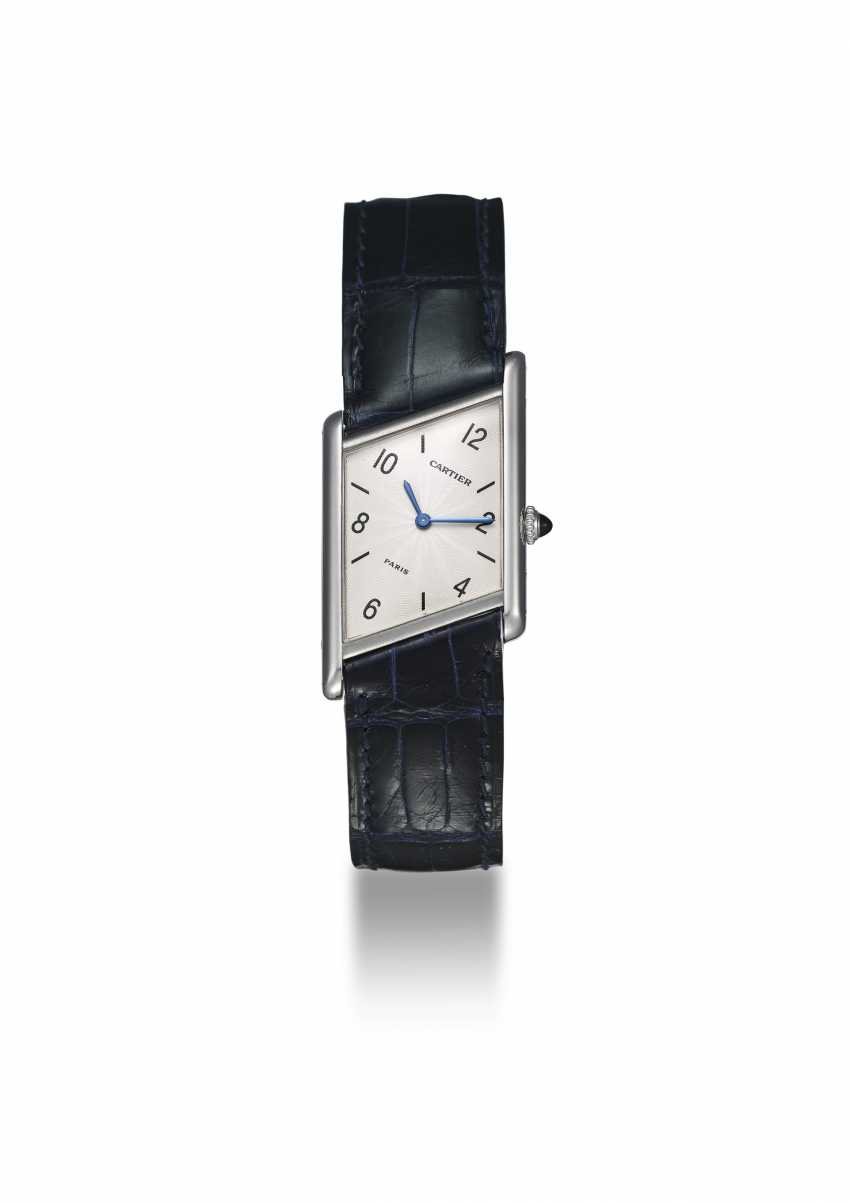 CARTIER, A PLATINUM LIMITED EDITION ASYMÉTRIQUE, 26/ 100 - photo 2